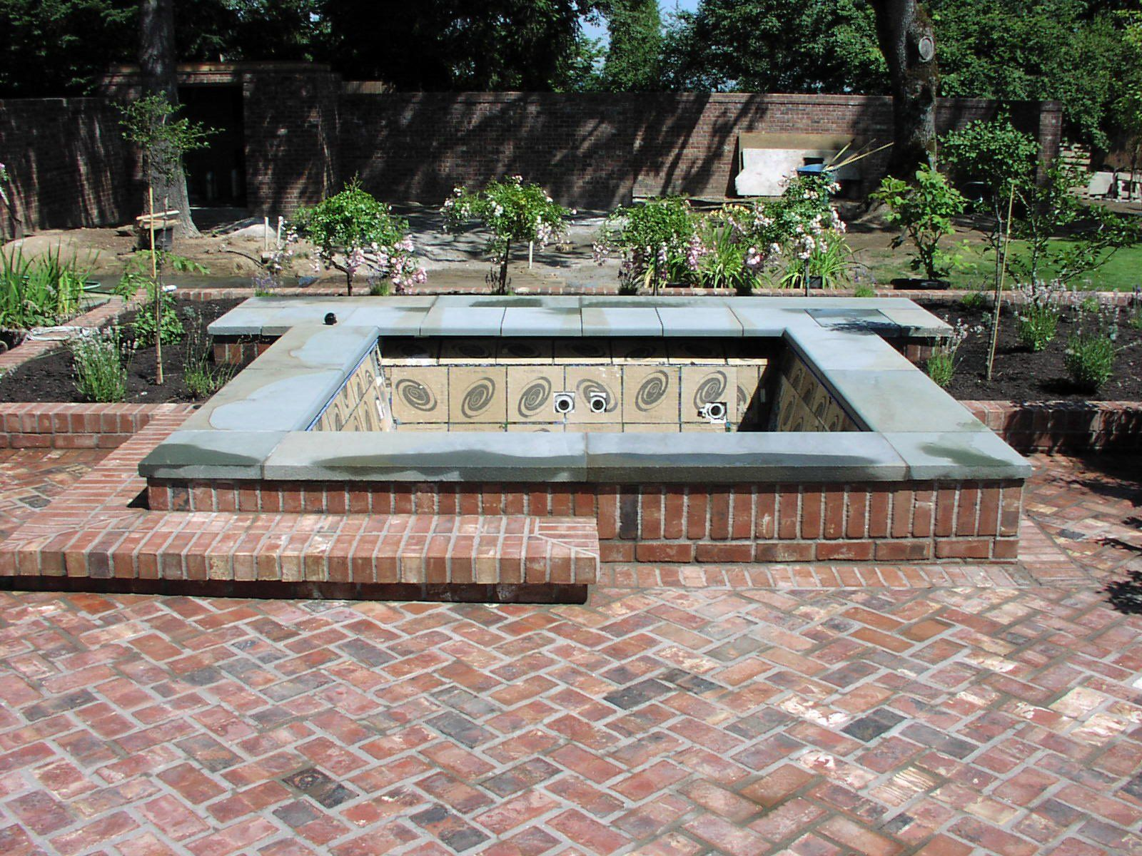 Www.loversiq.com Daut As F T Terrace Exterior Red Brick Patio  Patterns Ideas Floor  With Square Interesting For Your Outdoor_brick And Wood Patio Idu2026