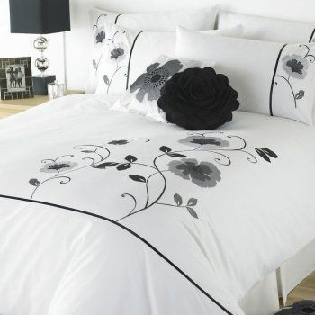 Super King Size Black And White Lique Poppy Duvet Set