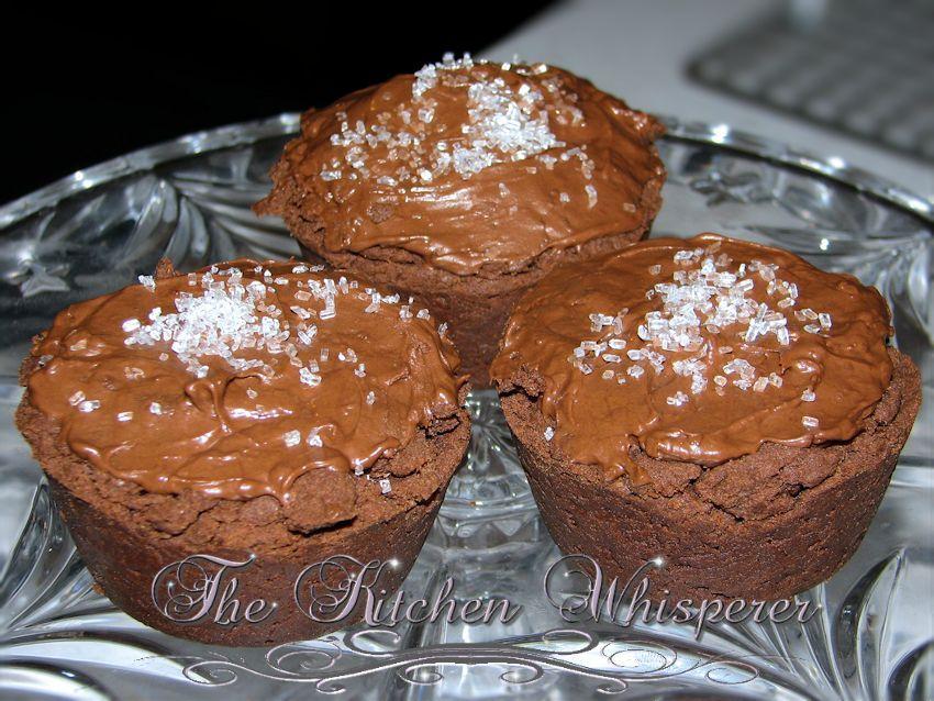 Molten Lava Cookies…. Lord Have Mercy! #chocolatemarshmallowcookies