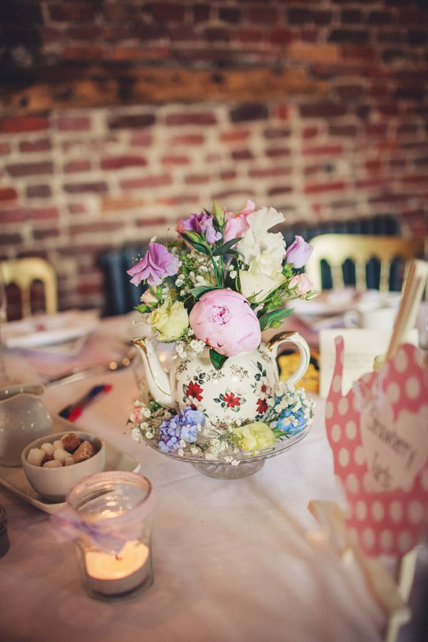 A Very British 50s Retro And Colourful Afternoon Tea Style Wedding
