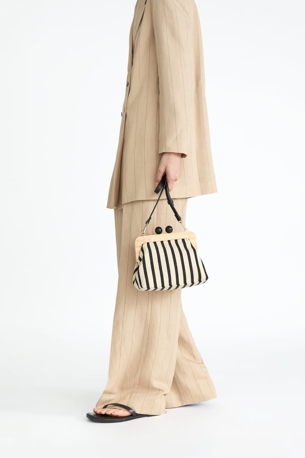 f98a596e6a Wooden clasp crossbody bag in 2019 | My Style | Crossbody bag, Bags ...