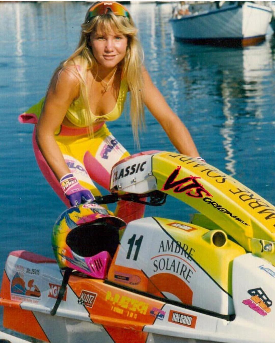 L Image Contient Peut Etre 2 Personnes Plein Air Et Eau In 2020 Vintage Skis Jet Ski Water Crafts