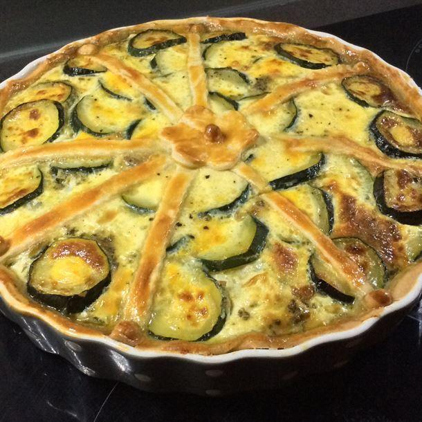 Quiche végétarienne courgette pesto mozzarella | Quiche ...