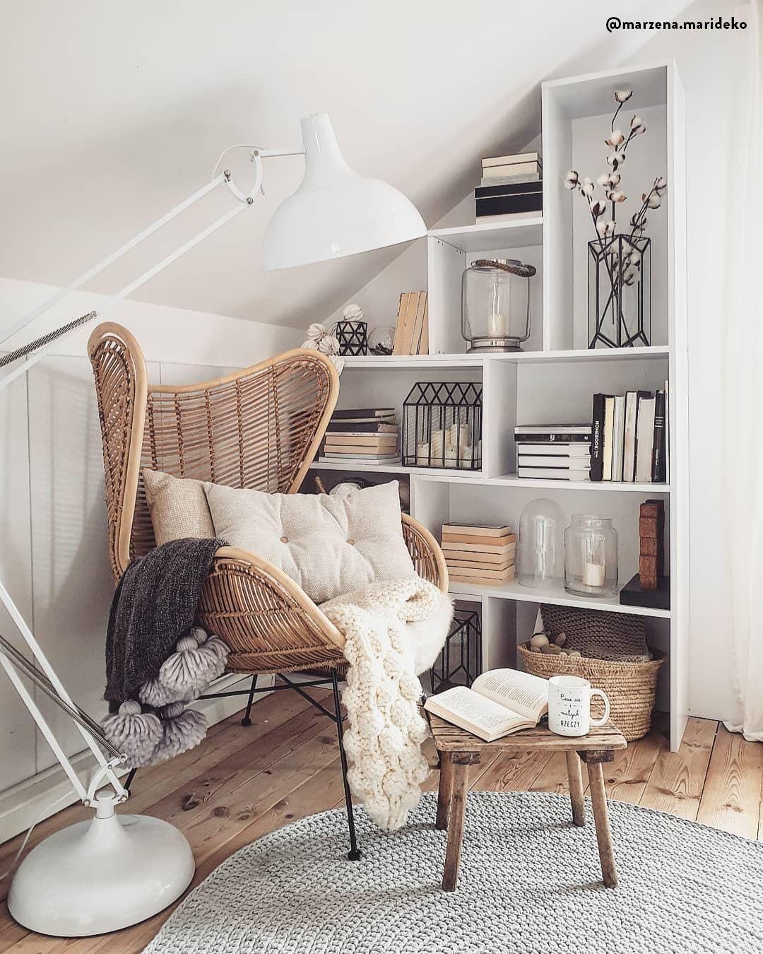 Boho & Scandi - Gli elementi naturali dello stile boho incontrano le decorazioni moderne di ispirazione scandinava. I colori sono neutri, mentre i materiali come legno, rattan, vimini e lana danno un senso di calore.