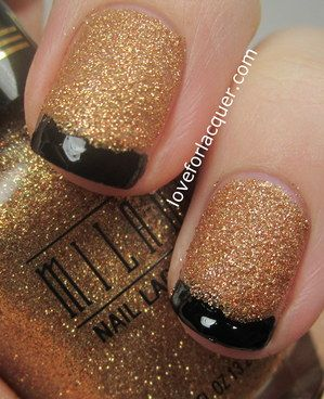 Nails Gold Glitter With Black French Tip