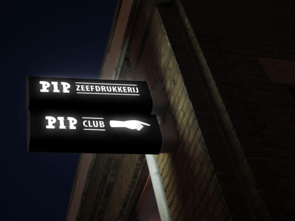 Eigenlijk mag ik geen reclame maken want deze club moet natuurlijk wel underground blijven.. maar ik kon het niet laten. Underground dancing met interesting pple. En dat gewoon in het haagse!