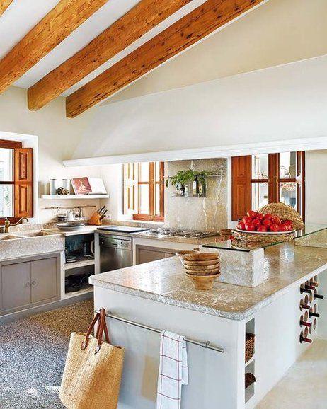 Una antigua casa de campo rehabitidada cuina pinterest for Cocinas rusticas mallorquinas