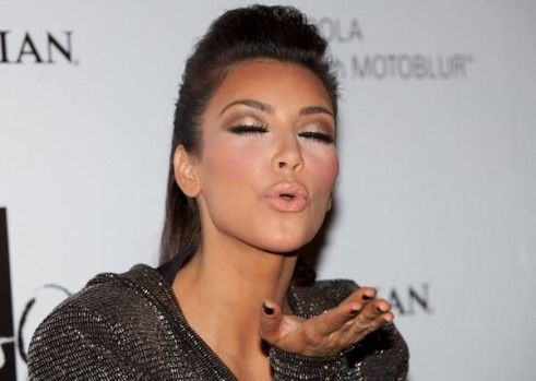 Kim Kardashian Still Blows Kisses Kim Kardashian Makeup