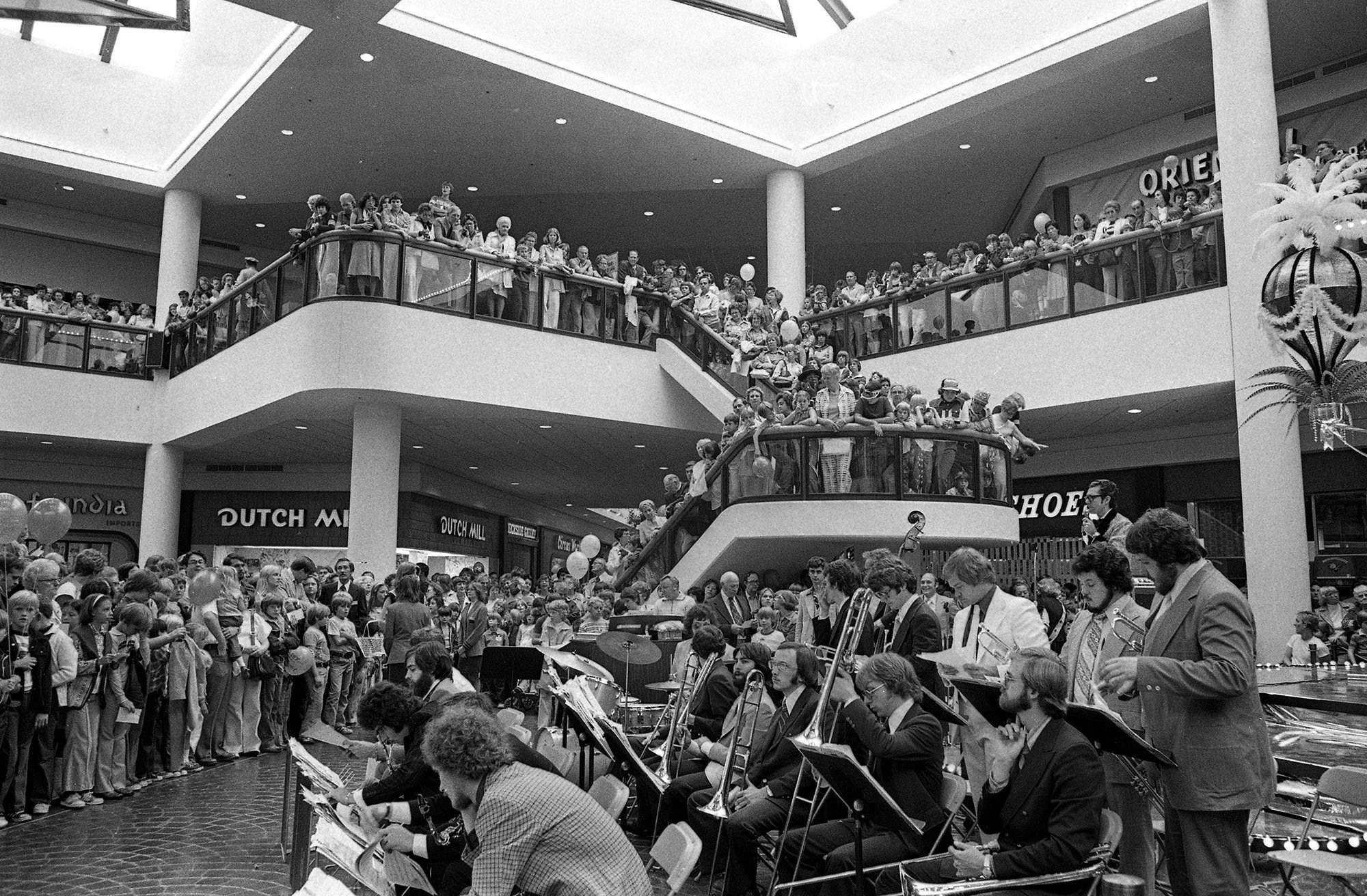 Flashback Springfield White Oaks Mall Grand Opening 37 Years Ago