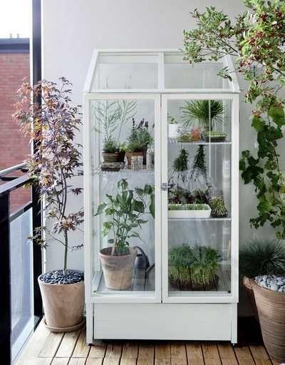Orto sul balcone: le 10 idee piu\' originali e creative   Giardino su ...