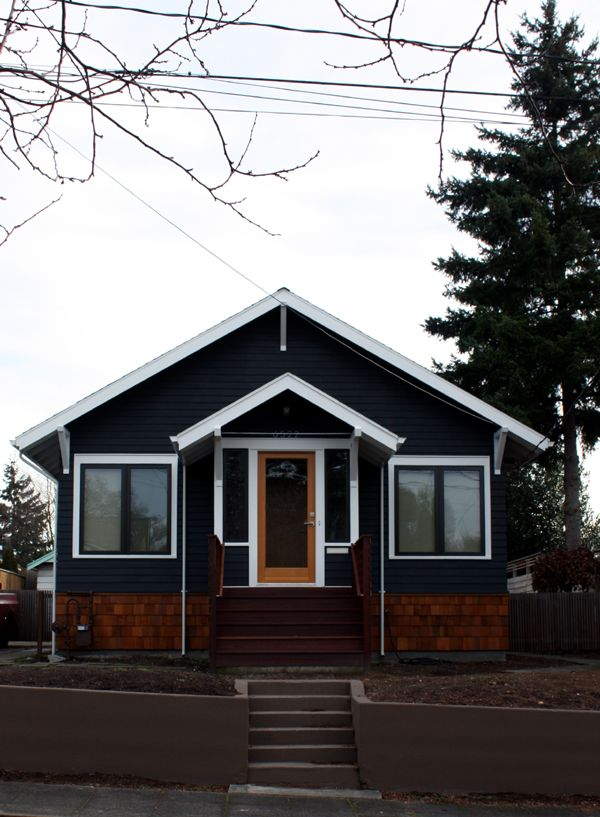 paint exterior of house Benjamin Moore Aura Exterior Soot | painted ...