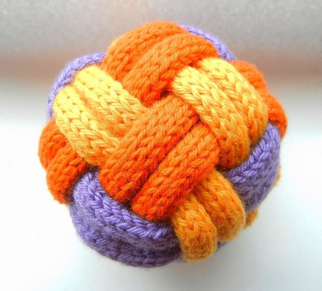Braided Balls - Free pattern. Would be cool with crochet, too. Or to have the...