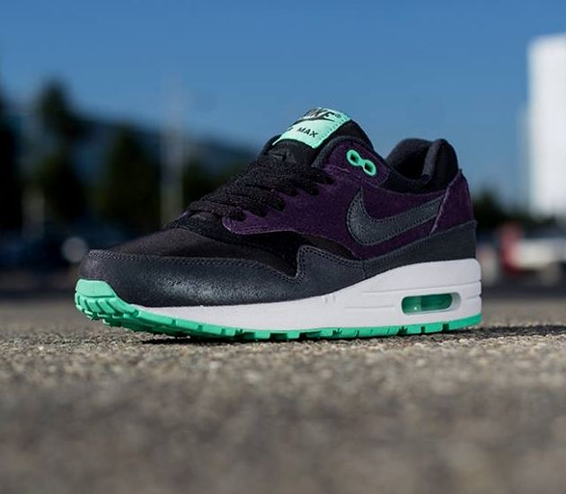 Nike WMNS Air Max 1 Essential – Black / Turquoise – Violet
