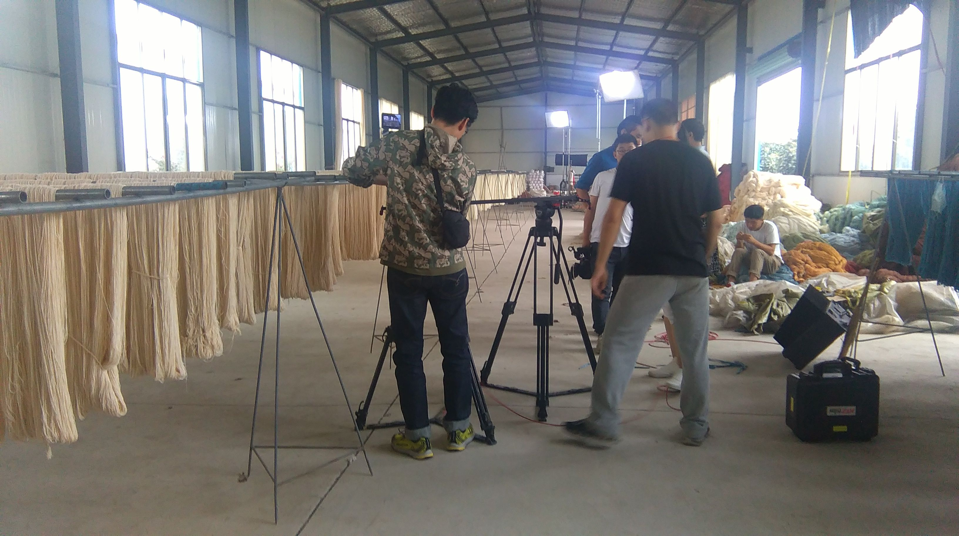 The video team of Google are taking video in Yilong Carpet factory.  alice@yilongcarpet.com Whatsapp&viber: 0086 1563 8927 921 www.yilongcarpet.com www.yilongcarpet.myshopify.com