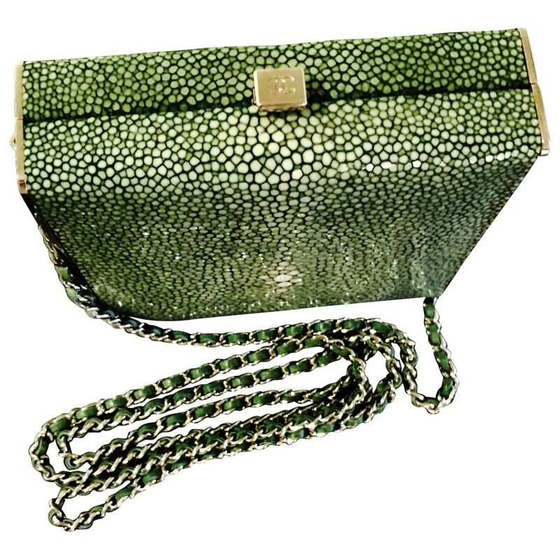 green Stingray CHANEL Handbag Vestiaire Collective