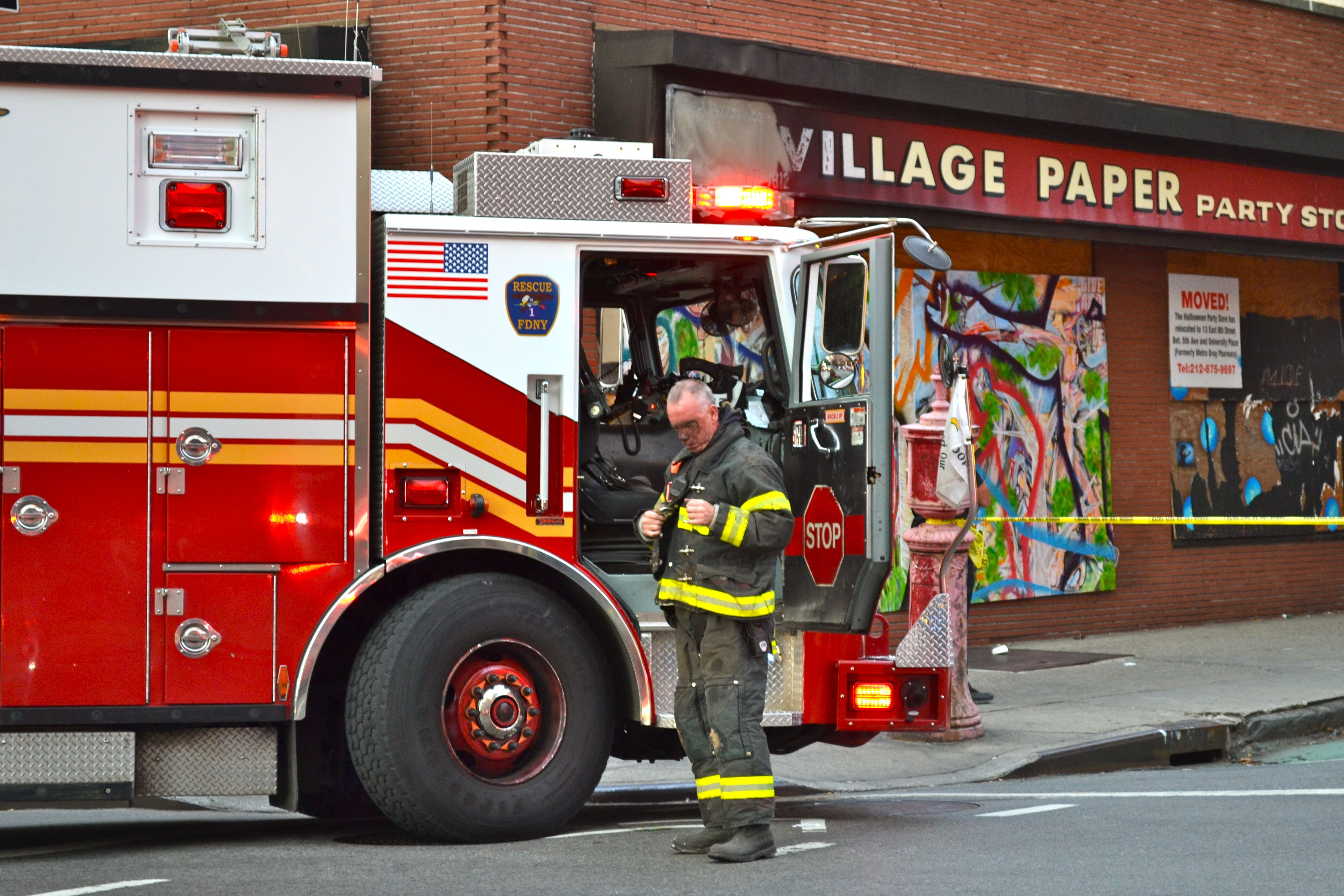 Fdny Rescue 1 Caught A Job Near Greenwich Avenue Fire Trucks Firefighter Fdny Firefighters