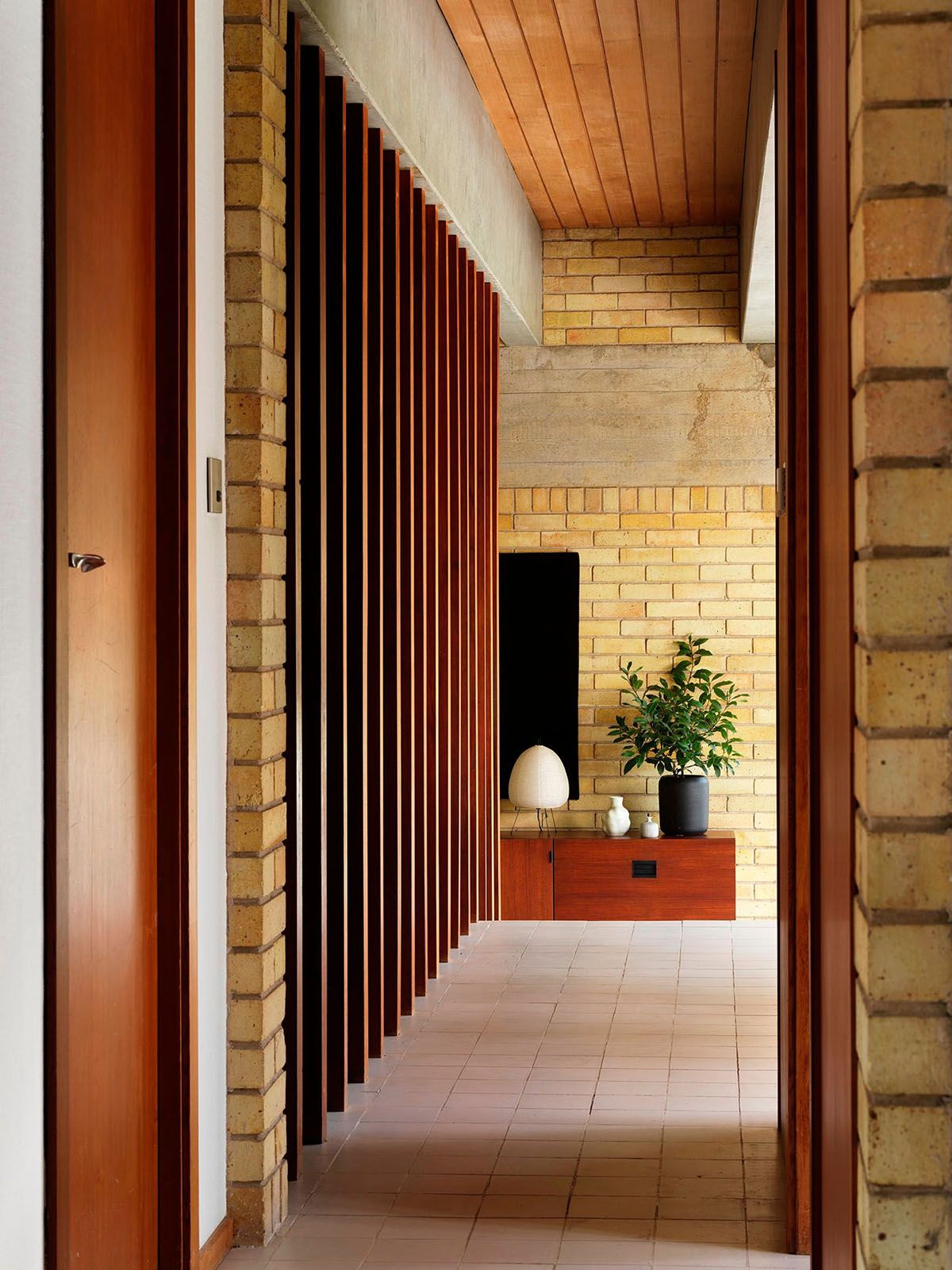 Six Important Buildings To Know By Danish Architect Jorn Utzon House Architect Jorn Utzon
