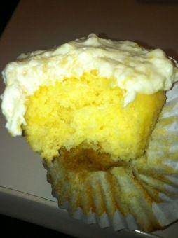 skinny pineapple cupcakes!