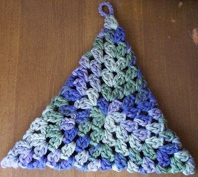 JR Crochet Designs: Quick Crochet Triangle Hot Pad Tutorial/ Pattern
