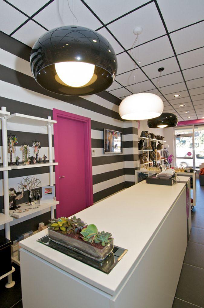 Arredamento Negozio Beauty And Accessories Retail Design Furniture Accessories Make Up Nails Shop Retail Design Prodotti Per Capelli Arredamento