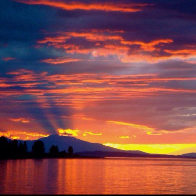 Island Beach Sunset: Qualicum Beach Sunset! Amazing. (Vancouver Island, BC