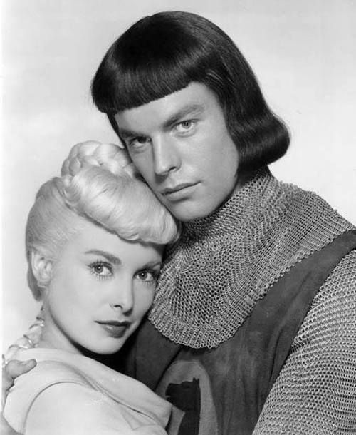 Robert Wagner And Janet Leigh In Prince Valiant His Pageboy Hairstyle Is Considered Among The Worst Ever In Movies Vintagehollywood Prinz Eisenherz Prinz