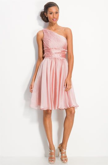 d17090ff81e I am truly loving these one-shoulder looks! Besides