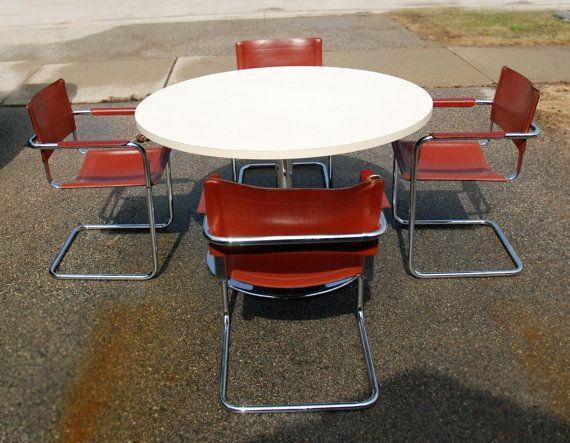 Sedie Formica ~ Formica giallo e cromo tavolo da pranzo e sedie