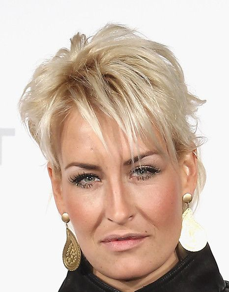 Sarah Connor Pixie Pixie Hairstyles Blonde Hair Color Short Hair Styles