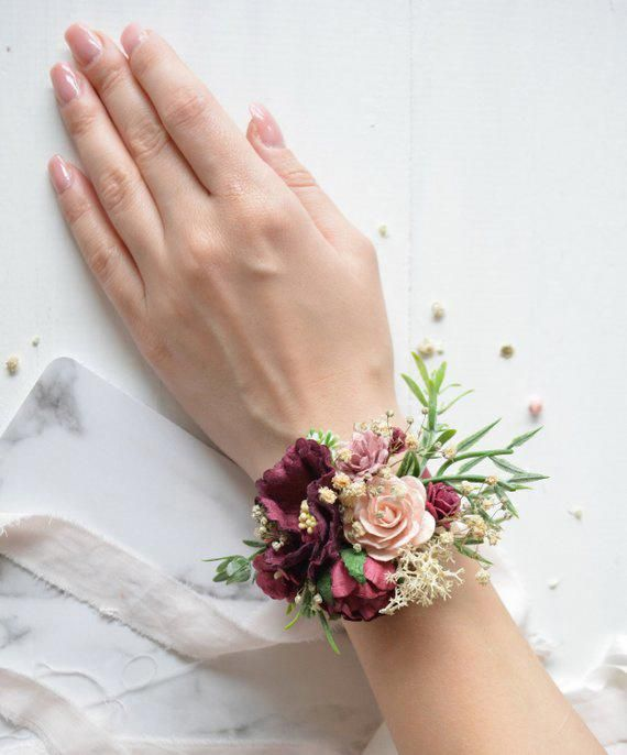 Burgundy Flower wrist corsage, Floral wrist corsage, Bridesmaids wrist corsage, Burgundy wedding, Boho wedding, Bridal corsage