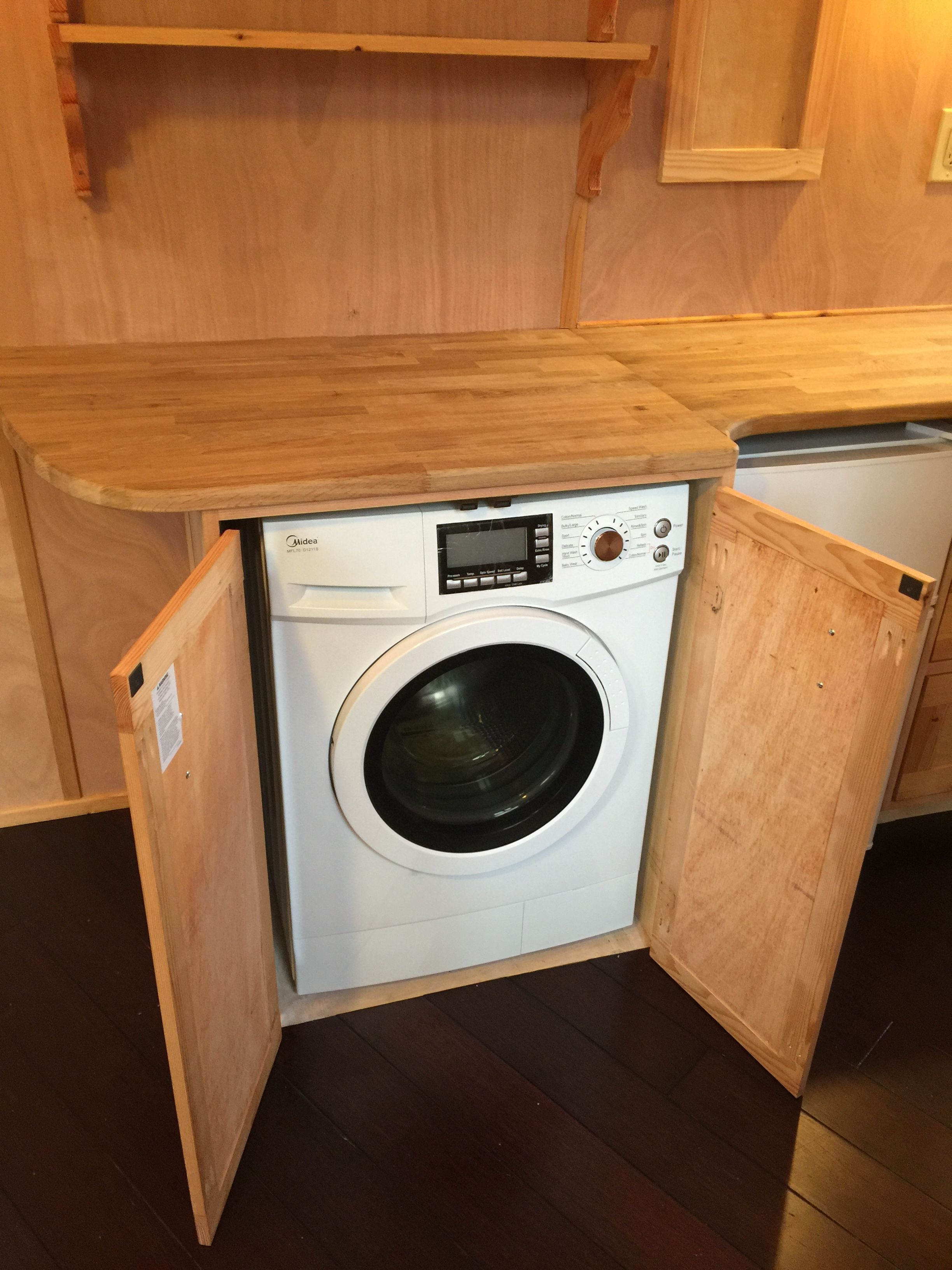 Yes, there's a washer/dryer! (added option) (With images