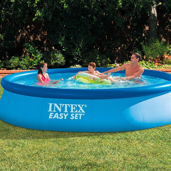 Mit Dem Easy Pool Set Holen Sie Sich Ihre Eigene Wohlfuhloase Nach Hause Er Ist Ein Klassiker Unter Den Swim Intex Schwimmbad Oberirdische Pools Swimming Pool