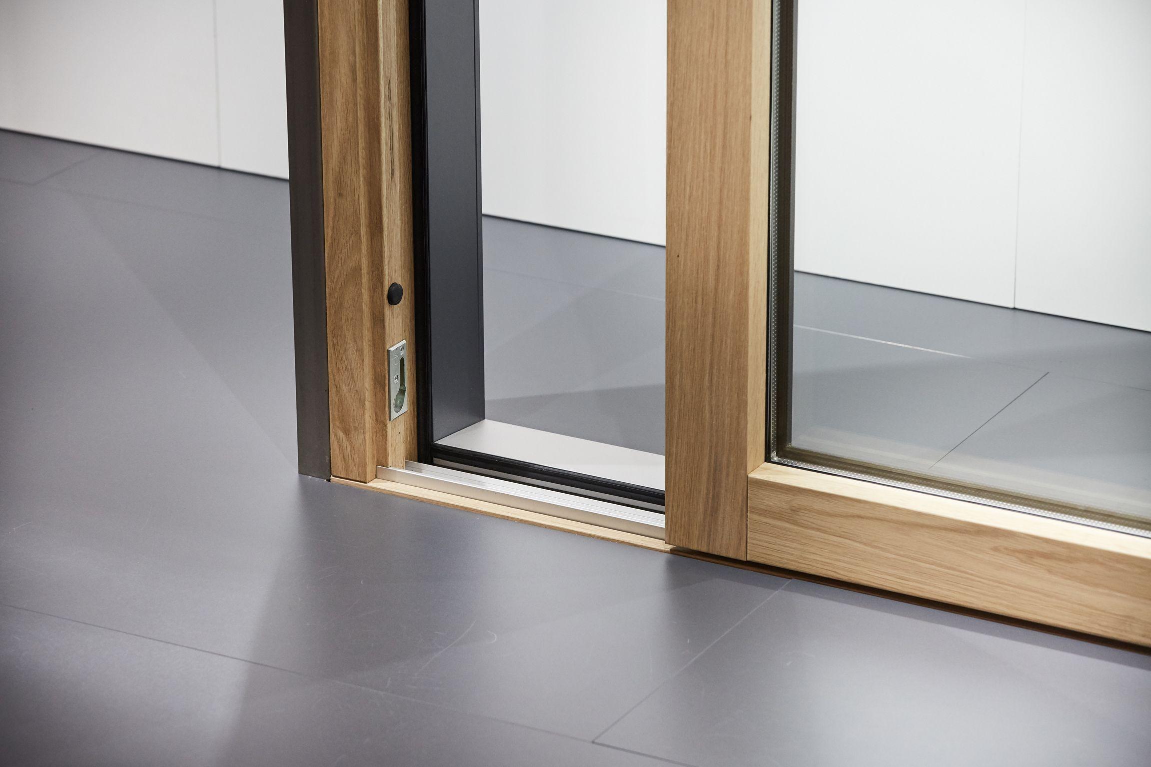Roto Patio Inowa Schiebefenster Und Turen In Holz Aluminium Bauweise Fenster Holz Aluminium Fenster Schiebefenster