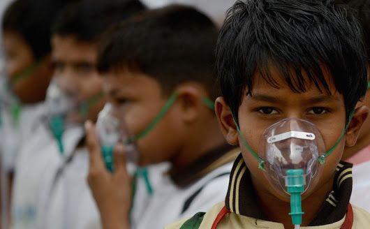 La contaminación ahoga a Nueva Delhi y la obliga a parar a millones de coches
