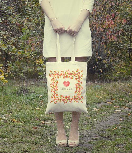 des sacs en tissus imprimer par la belette rose goodies jolies choses pinterest bolsos. Black Bedroom Furniture Sets. Home Design Ideas