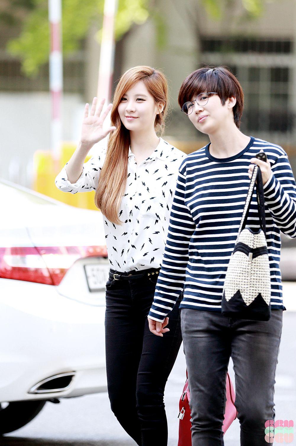 Maknae couple love story seohyun dating