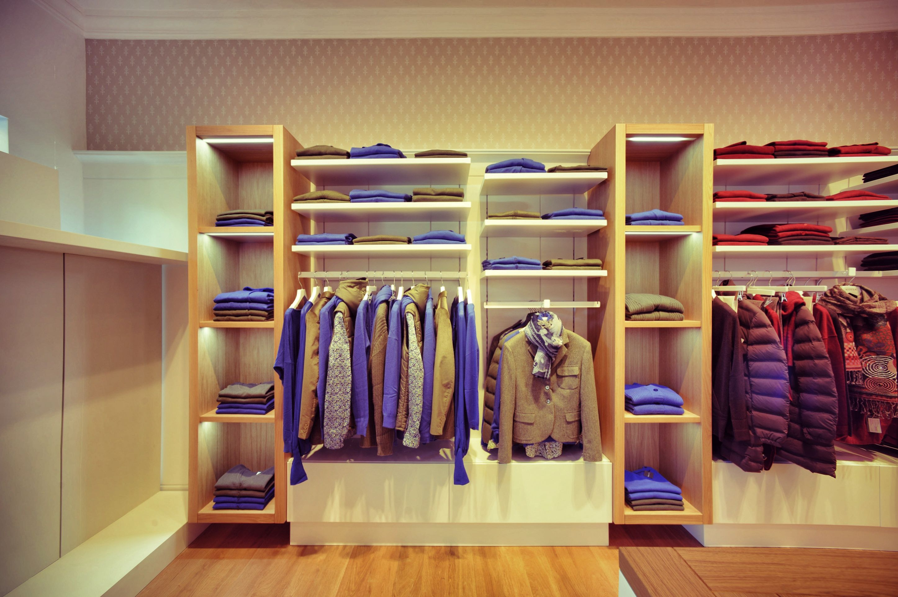 Scotia clothes store interior design umberto menasci for Interior designs of boutique shops