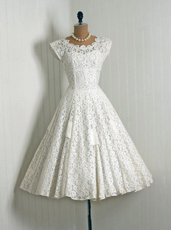 White Tea Dress | Busnel | Kortärmade klänningar | Miinto.se