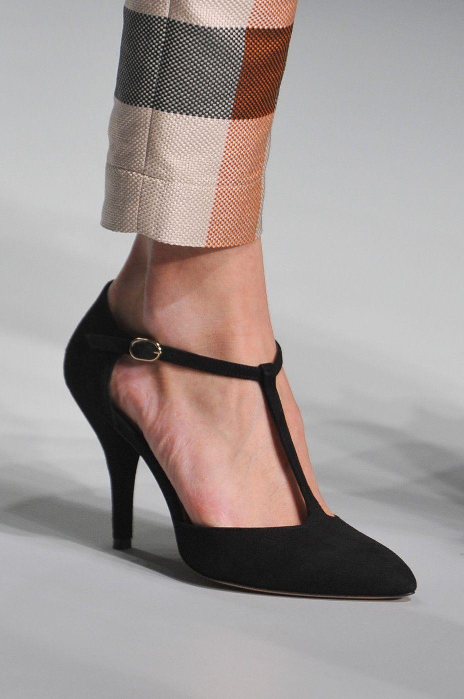Daks At London Fashion Week Spring 2014 Chic Shoes Daks Heels