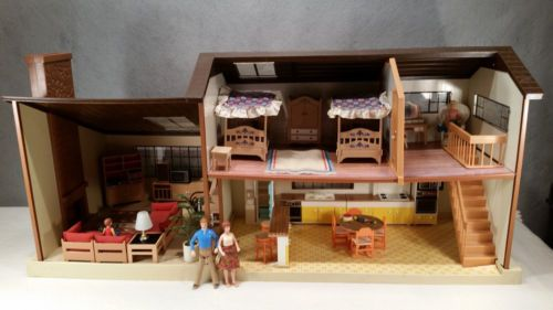 a20a8b968eeb9690dbb10cc9e90f4c20 - Tomy Smaller Homes And Gardens Dollhouse For Sale