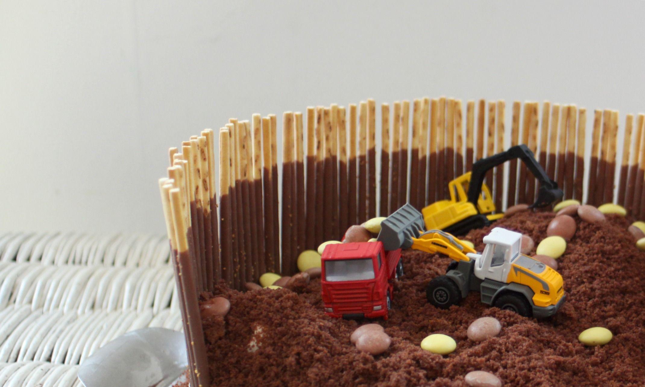Ein einfacher, wie auch beeindruckender Kuchen für alle Baggerfans. Im Bagger K…