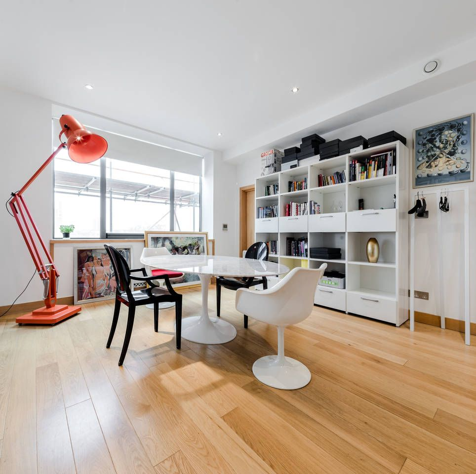 Two Bedroom Apartments London: Amazing 2 Bedroom Apartment Decorated In An Artistic And