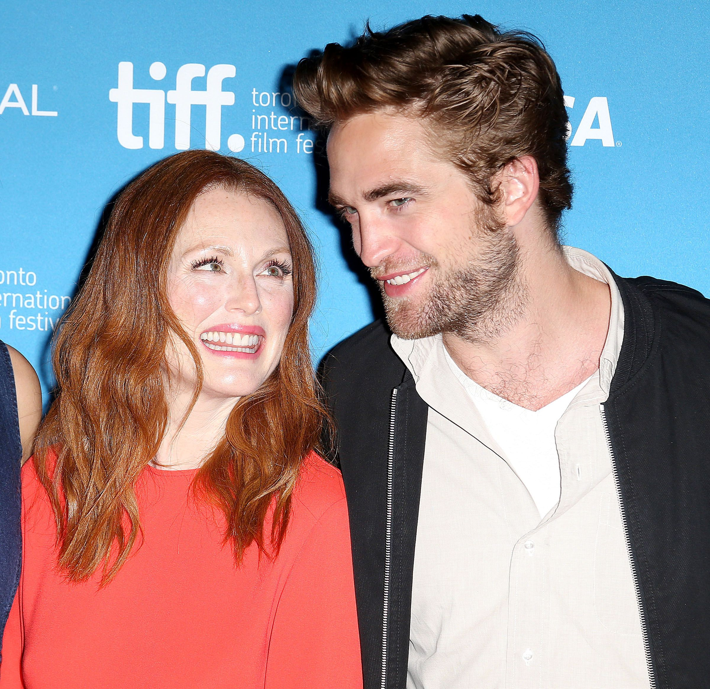 more HQ Pictures from the MTTS Photocall (scroll to photocall) http://robpattinson.blogspot.com/2014/09/maps-to-stars-tiff-press-