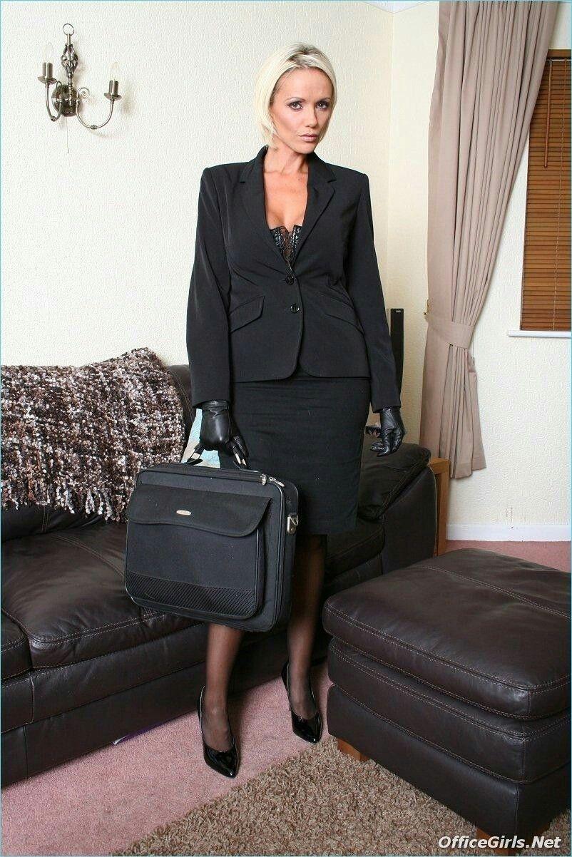 Фото бизнес леди раздевается — img 3
