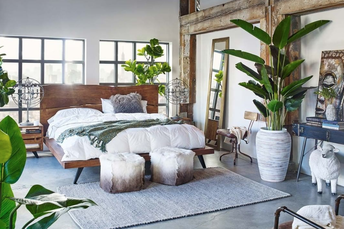 Giant Potted Plants Create A Chic Zen Bedroom Zen Bedroom Peaceful Bedroom Bedroom Design