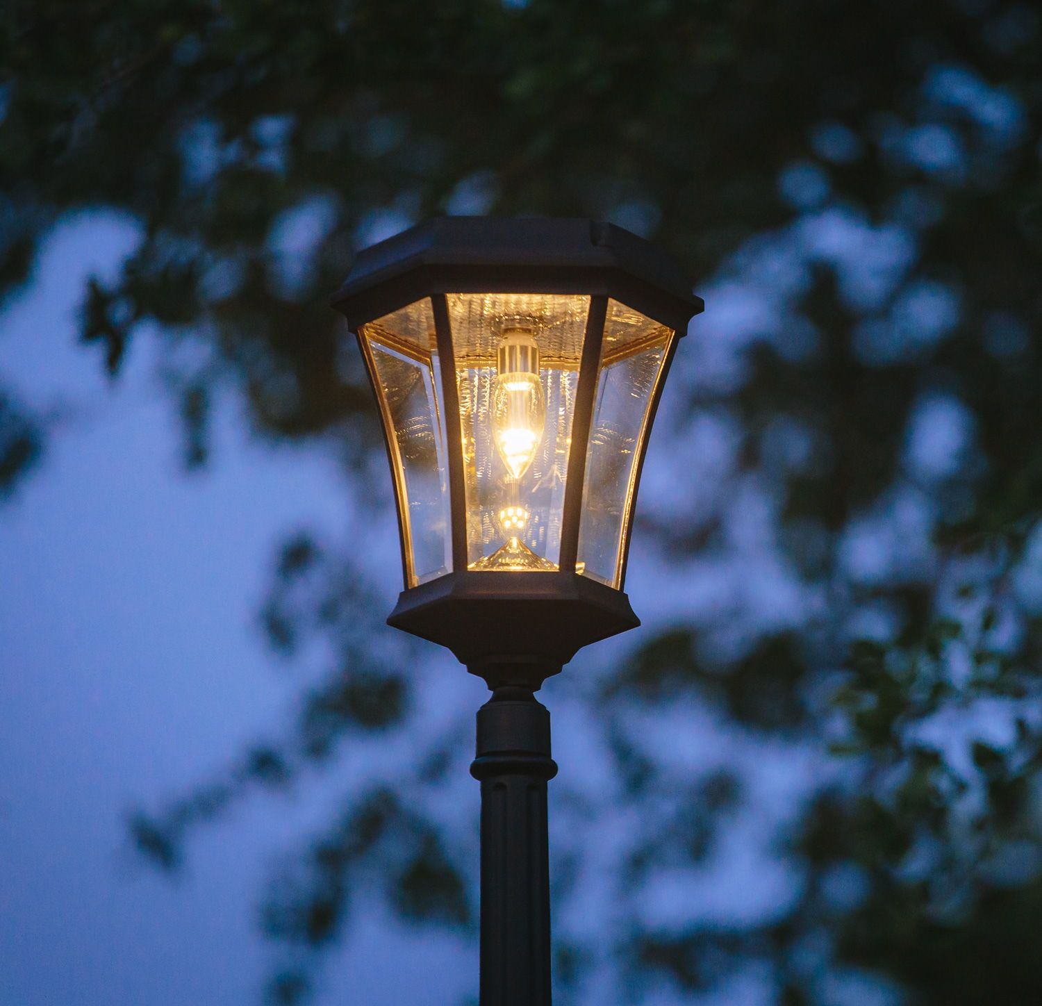 Victorian Bulb 3 Mounting Options With Gs Solar Led Light Bulb Gs 94b Fpw Solar Led Lights Solar Post Lights Solar Lamp Post