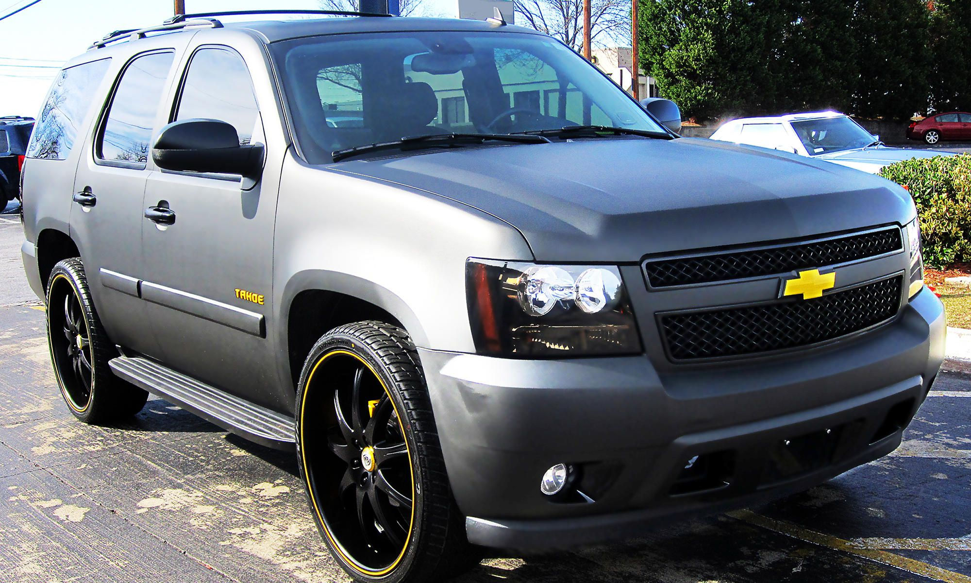 2011 chevrolet tahoe with custom lexani 26 inch wheels