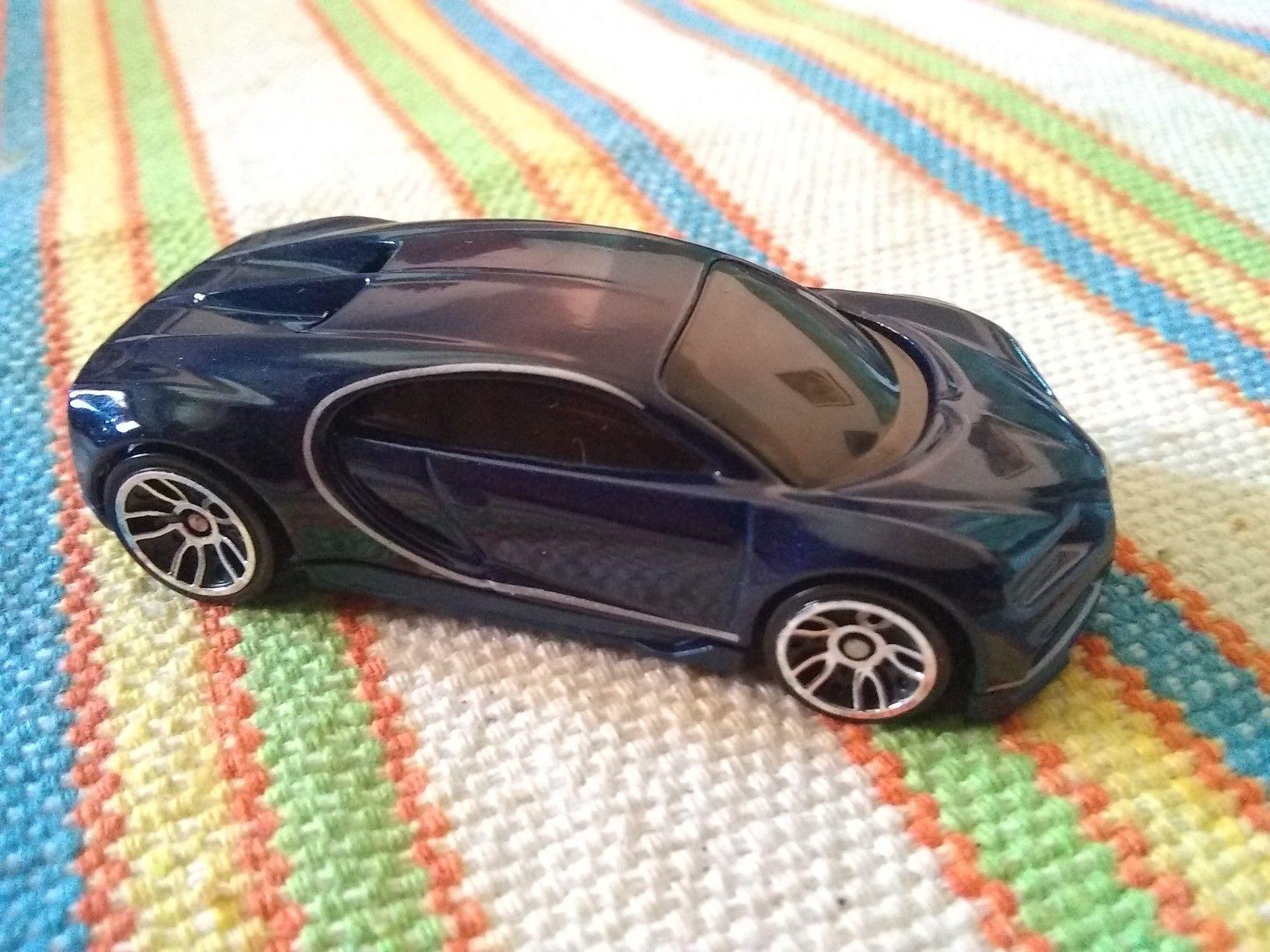 16 Bugatti Chiron Hot Wheels Bugatti Chiron Toy Car