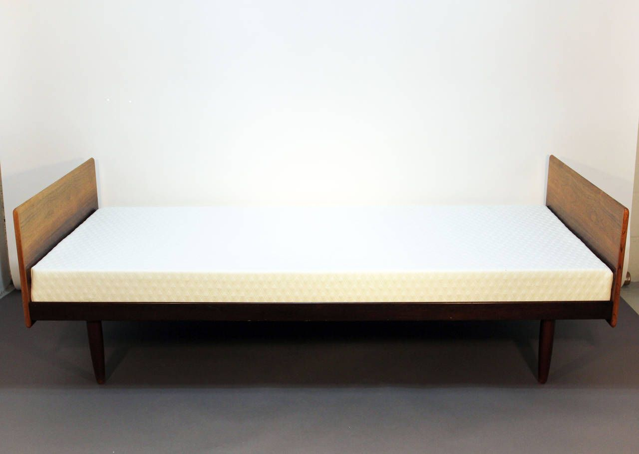 rosewood danish daybed or twin bed twin beds daybed and danish