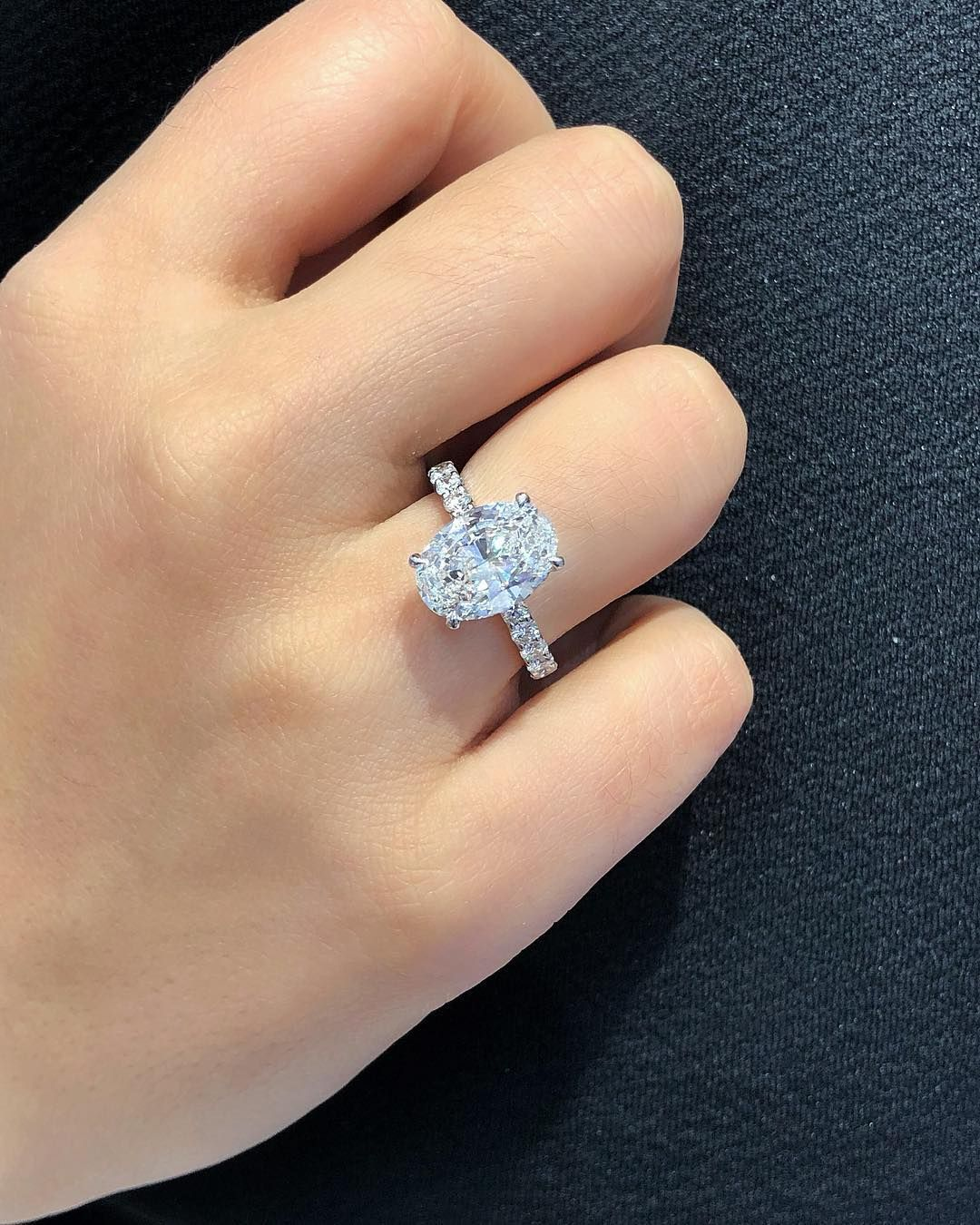Oval Diamonds Have Become One Of The Most Popular Diamond Shapes Of 2018 But Do You Think It Will Reign In 2019 Custom Engagement Ring Diamond Oval Diamond